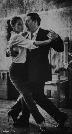 19 Ideas For Ballroom Dancing Couple Argentine Tango Shall We Dance, Lets Dance, Tango Dancers, Belly Dancing Classes, Dance Like No One Is Watching, Argentine Tango, Dance Movement, Learn To Dance, Ballroom Dancing