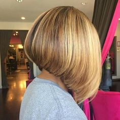 Amazing dimensional hair color on this bob by Jason Roberts Bun Hairstyles For Long Hair, Long Bob Haircuts, Bob Hairstyles, Classy Hairstyles, Wedge Hairstyles, Medium Hair Styles, Curly Hair Styles, Natural Hair Styles, Dimensional Hair Color