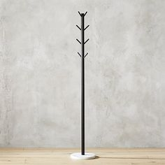Modern black iron tubing grounded in minimal white marble is as simple and elegant as it gets. Designed sleek and slim for efficient use of space, rack hangs coats, purses, hats, bags in the entry or mudroom. Tree Coat Rack, Coat Racks, Coat Tree, Mirror Artwork, Chelsea, Clothes Stand, Diy Clothes, Clothes Hanger, Standing Coat Rack