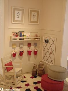quarto bebê cor madeira branco