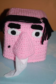 Crochet Tissue Box Face - free pattern.You either find this funny or gross,I love it!