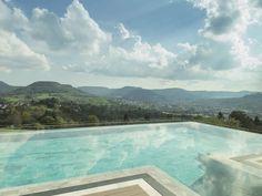 Das ist mal ein Pool mit Aussicht auf die Schwäbische Alb... #travel #holidays #summer #sun #fun  #terrace #imUrlaubwiezuhausefühlen