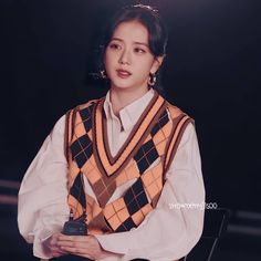 Blackpink Photos, Show Photos, Daisy Wallpaper, Blackpink Jisoo, Korean Singer, Cute Wallpapers, Photo Book, Bomber Jacket, Ruffle Blouse