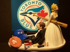 TORONTO BLUE JAYS Wide Screen Tv, Tv Game Console, Funny Wedding Cake Toppers, Toronto Blue Jays, Team Bride, Fancy Cakes, Display Boxes, Raptors, Weeding