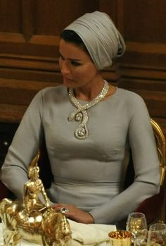 Her Highness Sheikha Mozah of Qatar knows how classy and elegant headwraps can be...on any occasion.