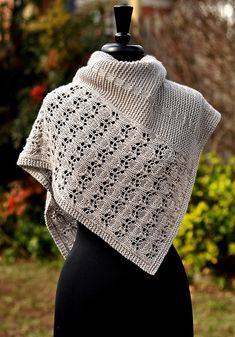Ravelry: Debussy-Muster von Dee O Keefe - Stricken und Häkeln Knit Or Crochet, Lace Knitting, Crochet Shawl, Easy Crochet, Knitting Scarves, Tunisian Crochet, Crochet Granny, Free Crochet, Shawl Patterns