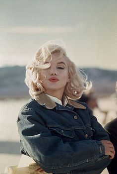 Eve Arnold / Magnum Photos  Marilyn Monroe. On the set of The Misfits. Nevada, 1960.
