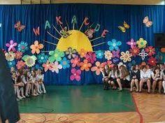 Graduation Decorations, School Decorations, Winter Wonderland Decorations, Set Design Theatre, Class Decoration, Preschool Art, Paper Roses, Elementary Art, Kids Cards
