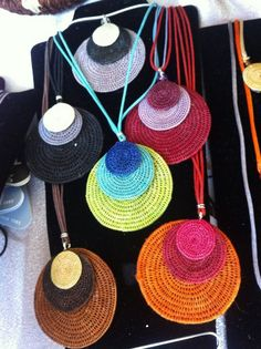 'The Round Motif Gala' Necklace. (Would love to credit designer but pin only… colares / crochet pendants, many colour combo possiblities collares multicolor Más - picture for you my husband and i took our kids swimming on saturday, and couldn't help bu Love Crochet, Crochet Flowers, Knit Crochet, Textile Jewelry, Fabric Jewelry, Fabric Earrings, Bracelet Crochet, Crochet Earrings, Crochet Jewellery