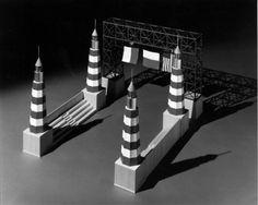 Arcos de Fantasía para celebrar el Mardi Gras de Galveston en 1985 y encargados a 7 renombrados arquitectos. Este es el trabajo de Aldo Rossi | CARTOGRÁFICO
