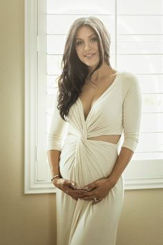 The HONEYBEE // Maternity Style