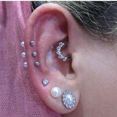 My piercer Joseph @industrie8bodypiercing does the prettiest piercings (not my ear by the way)