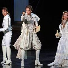 神戸新聞NEXT 連載・特集 Viva!タカラヅカ スターフォト 2016 宙組「Shakespeare」「HOT EYES!!」