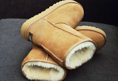 Uggs, tall ones in this colour