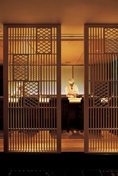 Love the details Japanese Door, Japanese Modern, Japanese House, Japanese Restaurant Design, Japanese Interior Design, Japan Architecture, Interior Architecture, Facade Design, Door Design