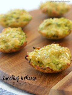 Zucchini and Cheese Mini Muffins Recipe. Both regular and Thermomix instructions included. Zucchini Muffins, Zucchini Cheese, Savory Muffins, Cheese Muffins, Lunch Box Recipes, Lunch Ideas, Baby Recipes, Meal Ideas, Sweet Recipes