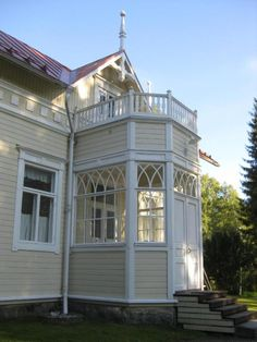 est 1901. Finland. Leaded Glass, Stained Glass, Victorian Windows, Swedish Style, Home Fashion, Helsinki, Old Houses, Finland, Beautiful Homes
