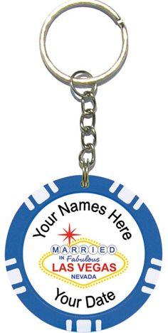 las vegas wedding favors ideas   Personalized Poker Chip Key Ring / Key Chain Wedding Favors
