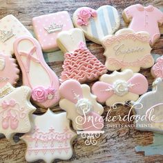 My first set of the new year! It also happens to be my 1 year anniversary as… Cookies For Kids, Fancy Cookies, Cute Cookies, Cupcake Cookies, Cupcakes, Sugar Cookies, Sugar Cookie Frosting, Royal Icing Cookies, Ballerina Cookies