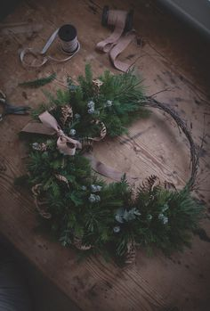 8Q0A4727 Christmas Advent Wreath, Christmas Decorations, All Things Christmas, Christmas Gifts, How To Make Wreaths, Hygge, Greenery, Lifestyle, Winter