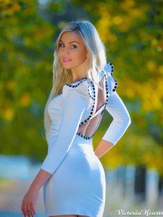 Clubwear blonde hot, nude paulene