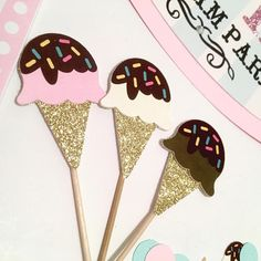Ice Cream Theme, Ice Cream Party, Summer Party Decorations, Birthday Decorations, Summer Crafts For Toddlers, Popsicle Party, Ice Cream Cupcakes, Vintage Ice Cream, Ice Cream Social