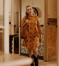 Villanelle + Outfits in Olivia Von Halle silk pyjamas The Vampires Wife maxi dress and Yuul Yie shoes La DoubleJ dress, Dragon tan bag and Golden Goose boots Unknown designer Olivia Von Halle, Summer Outfits, Cute Outfits, Jodie Comer, Silk Pajamas, Celebs, Celebrities, My Outfit, Celebrity Style
