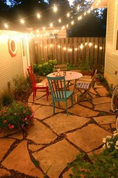 Easy little side yard. Great for those tiny yards you get when you buy a condo. Which is something justin and I are highly considering.
