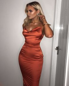 Satin Lace Up Back Slip Midi Kleid Orange Kleid Spitze Midi orange Satin S Source by jenshoeppe Dresses homecoming Satin Dresses, Ball Dresses, Elegant Dresses, Pretty Dresses, Sexy Dresses, Beautiful Dresses, Evening Dresses, Fashion Dresses, Dress Lace