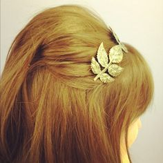 Rocking a retro inspired autumnal hairstyle today :)