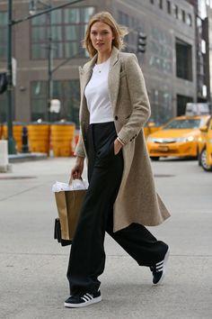 Karlie Kloss  models street style