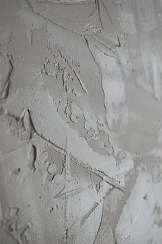 Drywall Using Joint Compound for a Stucco Wall Finish - Detailed Tutorial ~ Tip.have mud tinted to wall color Drywall Texture, Ceiling Texture, Stucco Texture, How To Texture Walls, Skip Trowel Texture, Plaster Wall Texture, Faux Walls, Stucco Walls, Wood Walls