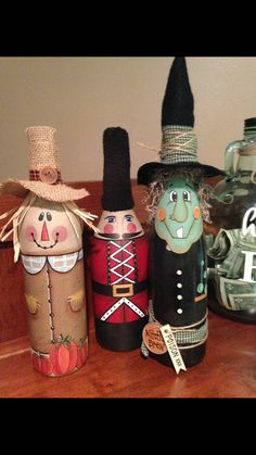 Scarecrow decor, painted wine bottle, scarecrow wine bottle, Fall decor, hand painted decor - New Deko Sites Scarecrow Crafts, Scarecrows, Wine Bottle Design, Glass Bottle Crafts, Crafts With Wine Bottles, Medicine Bottle Crafts, Glass Bottles, Wine Bottle Corks, Fall Wine Bottles