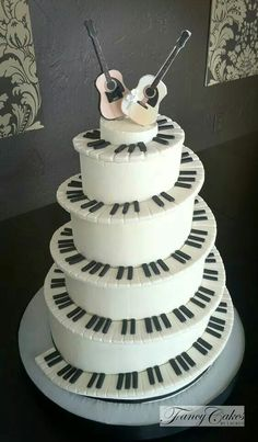 Piano Keys and Guitar Cake Music Themed Cakes, Music Cakes, Themed Wedding Cakes, Gorgeous Cakes, Pretty Cakes, Amazing Cakes, Cupcakes, Cupcake Cakes, Bolo Musical
