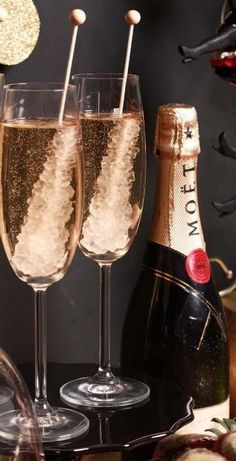 7 Simple Champagne Cocktails to help you Ring in the New Year in Style — The Entertaining House