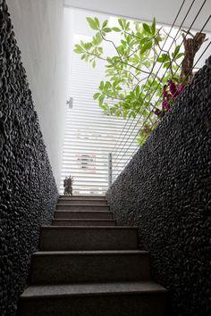 Nhabeo House by Trinhvieta-Architects