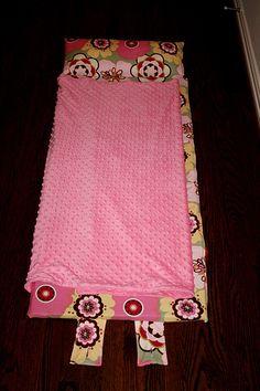 Toddler Nap Mat (tutorial found at http://jennygarland.com/blog/wp-content/uploads/2009/08/NapMatTutorial.pdf)