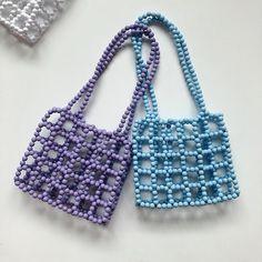 Beaded Purses, Beaded Bags, Pulseras Kandi, Messenger Bag Patterns, Beaded Jewelry Designs, Vintage Bags, Handmade Bags, Bead Weaving, Beading Patterns