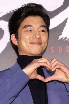 Gong Yoo (공유) - Picture @ HanCinema :: The Korean Movie and Drama Database Gong Yoo Smile, Yoo Gong, Coffee Prince, Hyun Bin, Jung Hoseok, Korean Actors, Kdrama, Handsome, Romance