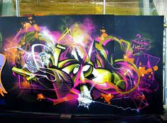 Sofles is a graffiti artist from Melbourne, is one of the members of the DTS crew. What brought me to his work it's his capability to have awesome skills both with typography than with character design.
