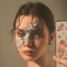 Image uploaded by martielizabeth. Find images and videos about aesthetic, makeup and retro on We Heart It - the app to get lost in what you love. Eye Makeup Art, Cute Makeup, Pretty Makeup, Makeup Inspo, Makeup Inspiration, Beauty Makeup, Makeup Eyes, Aesthetic Makeup, Aesthetic Girl