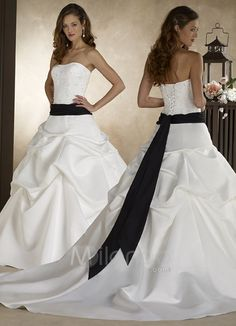 im in love with this dress... <3