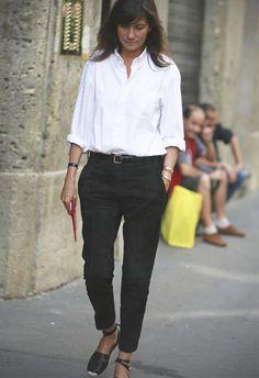 "lafemme-emmanuellealt: "" Emmanuelle Alt, Editor-in-Chief of Vogue Paris "" White Shirt Outfits, Casual Outfits, Fashion Outfits, Style Fashion, Emmanuelle Alt Style, Style Casual, My Style, Dresscode, Classic White Shirt"