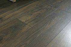 Homemade Floor Polish Recipe to Restore Shine to Wood Shine Laminate Floors, How To Clean Laminate Flooring, Diy Wood Floors, Cleaning Wood Floors, Clean Hardwood Floors, Hardwood Floor Cleaner, Linoleum Flooring, Diy Flooring, Cleaning Recipes