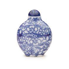 Blueware glazed porcelain snuff bottle with flower motif -  China, 20th century
