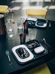 Cassina table xx&x Coffee Maker, Kitchen Appliances, Table, Linens, Products, Coffee Maker Machine, Diy Kitchen Appliances, Coffeemaker, Coffee Making Machine