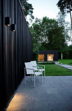 Woodface, zwart gekleurd, met verlichtingsdetail(foto Yves De lobelle)