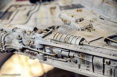 Milenium Falcon, Maquette Star Wars, Millennium Falcon Model, Nave Star Wars, Figure Drawing Models, Sf Movies, Sci Fi Models, Star Wars Models, Sci Fi Ships