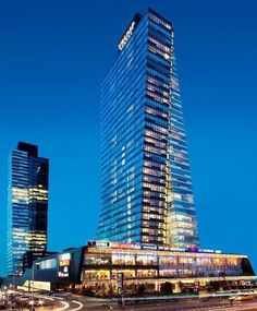 """""""Towers by Brigitte Weber Architects (2012), #istanbul #Turkey  ... Area: 260.000 sqm. Residence Tower with 39 floors... 43.000 sqm. Office Tower with 37…"""""""