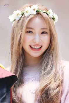 57 new ideas music icon design beautiful Kpop Girl Groups, Korean Girl Groups, Kpop Girls, Gift For Music Lover, Japanese Girl Group, Kim Min, Music Icon, The Wiz, Mamamoo